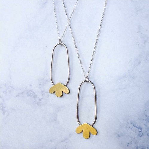 Flow - Handmade pendant necklace.