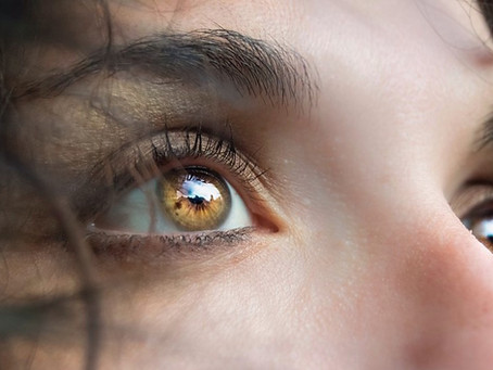 Eyelid surgery - Plastic surgeon or oculoplastic surgeon?