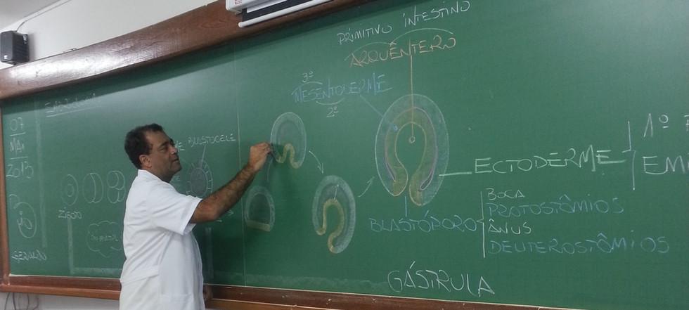 ProfGeraldo-2.jpg
