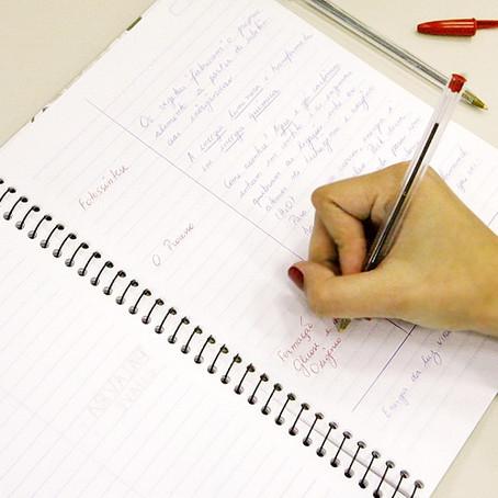 Fazer anotações durante a aula é uma das melhores técnicas de estudo