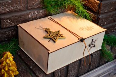 Деревянная упаковка для подарка.jpg