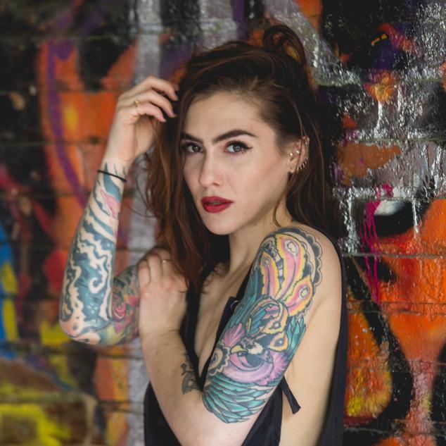 Model: @Shannoncarole