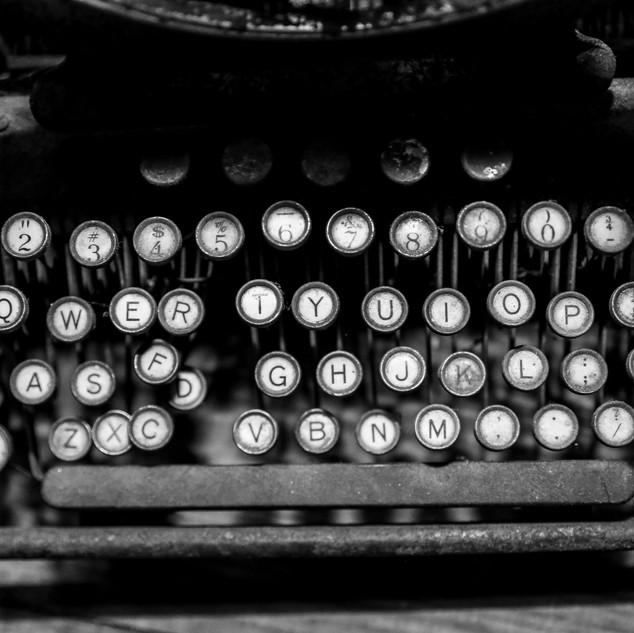 Typewriter_BW
