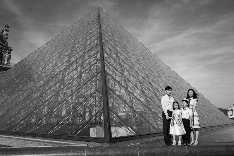 Family with the louvre Pyramid