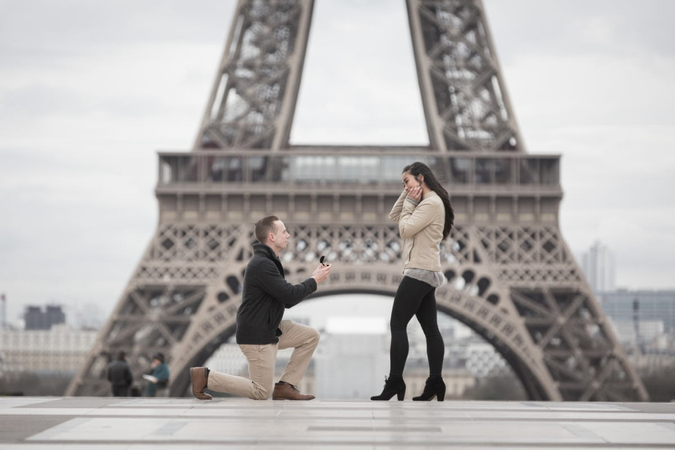 Surprise proposal at the Trocadero