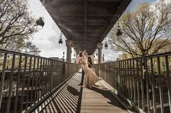 Photo couple on Bir Hakeim bridge