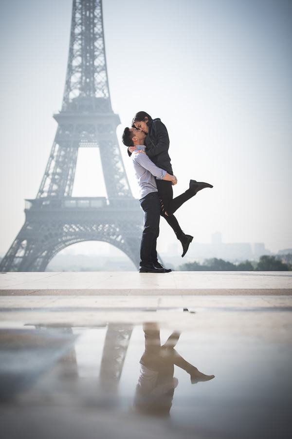 Proposal at the Eiffel tower