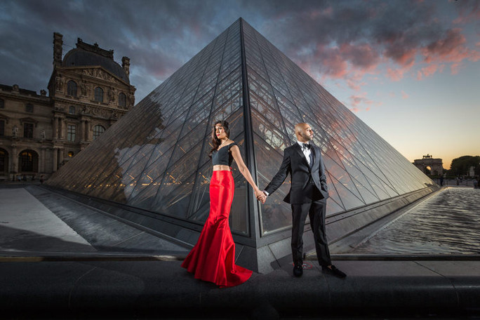 beautiful couple at le louvre.jpg