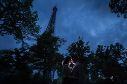 Night session at the Eiffel Tower