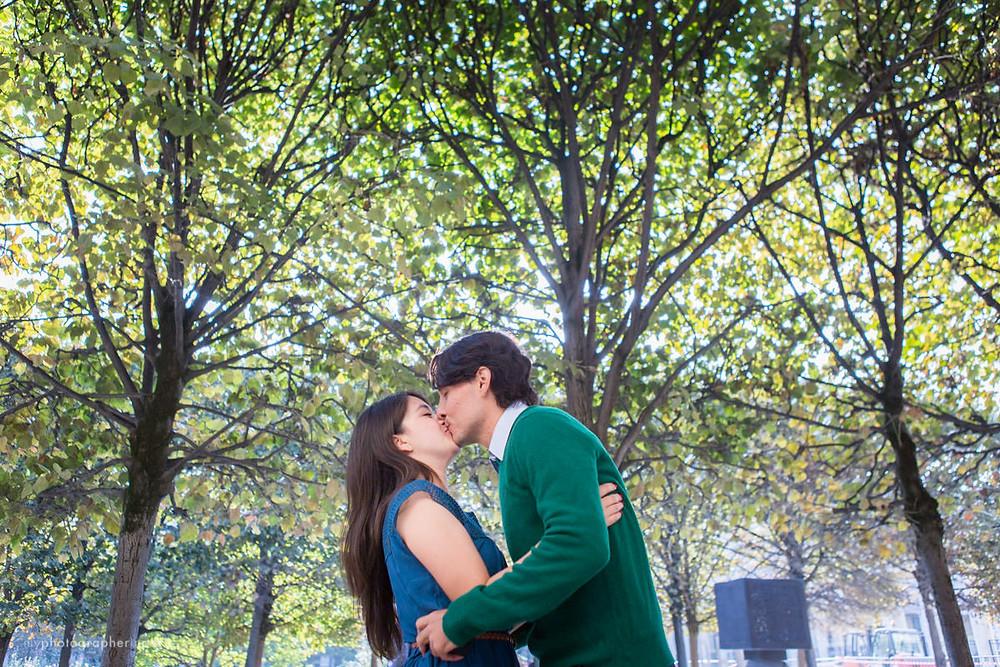 Kiss in Palais Royal Garden