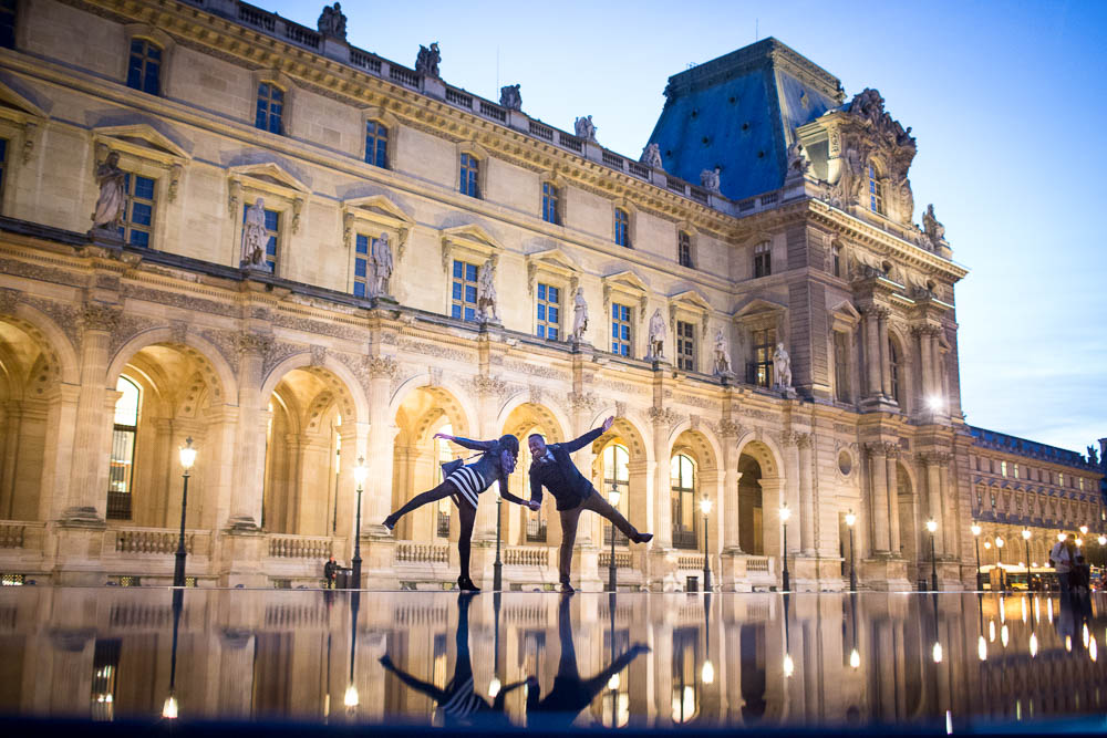Night session at Le Louvre