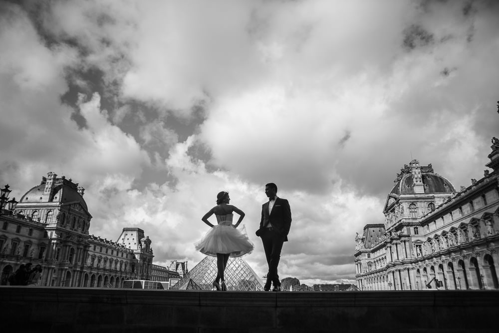 Engagement session at Le Louvre