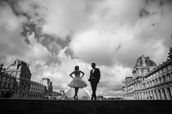 Engagement session at Le Louvre