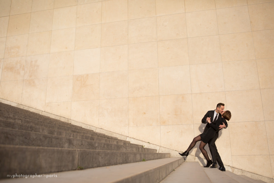 French kiss on the Trocadero stairs