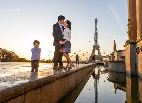 Family photo session in Paris