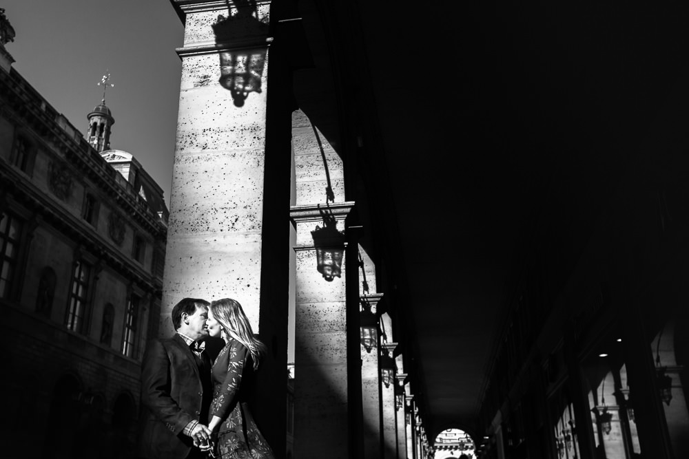 Photo couple at rue de Rivoli