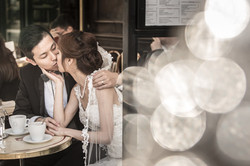 Photo couple in a cafe terrace