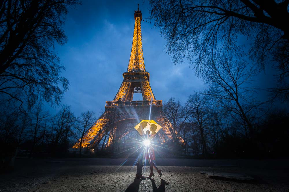 Night session Eiffel Tower
