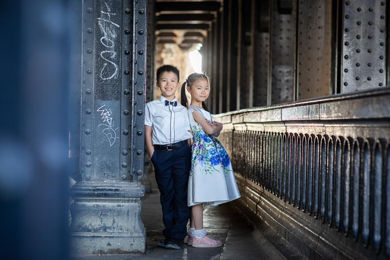Brother and sister photo session in Paris