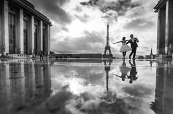 couple dance on the trocadero