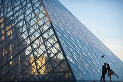 couple silhouette in paris