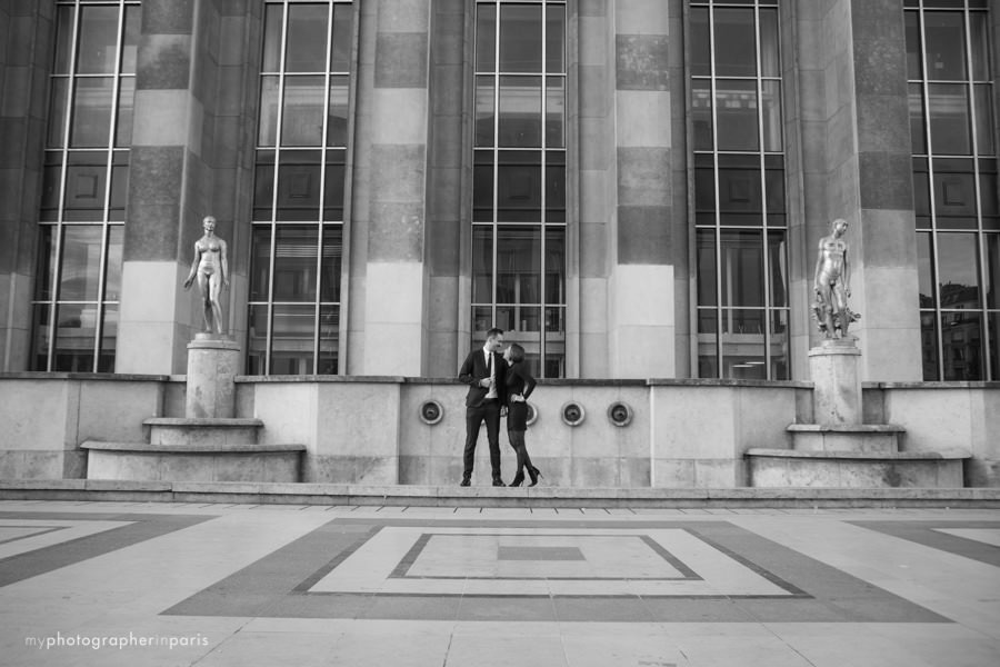 Engagement session on at the Trocadero courtyard