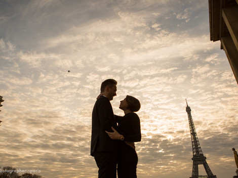 Real proposal in front of the Eiffel tower