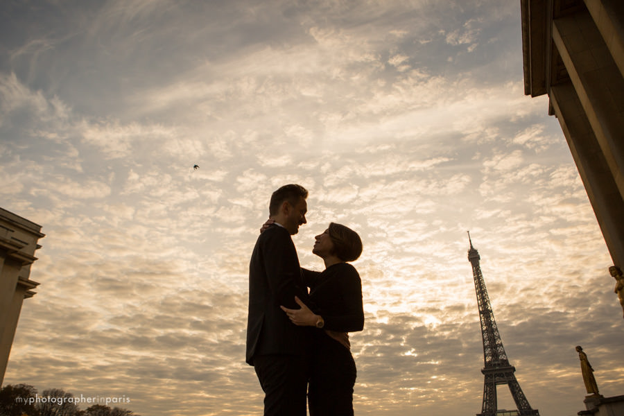The look of love in front of the eiffel tower