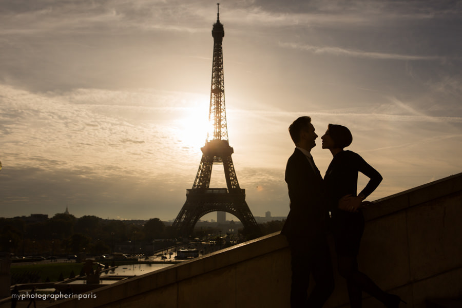 Silhouette in front of the Eiffel tower