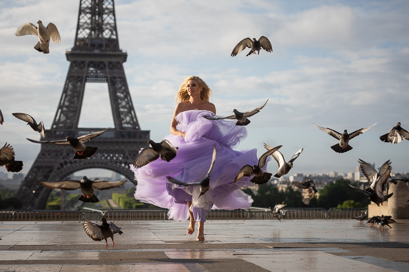 Solo photo session in paris with pigeons