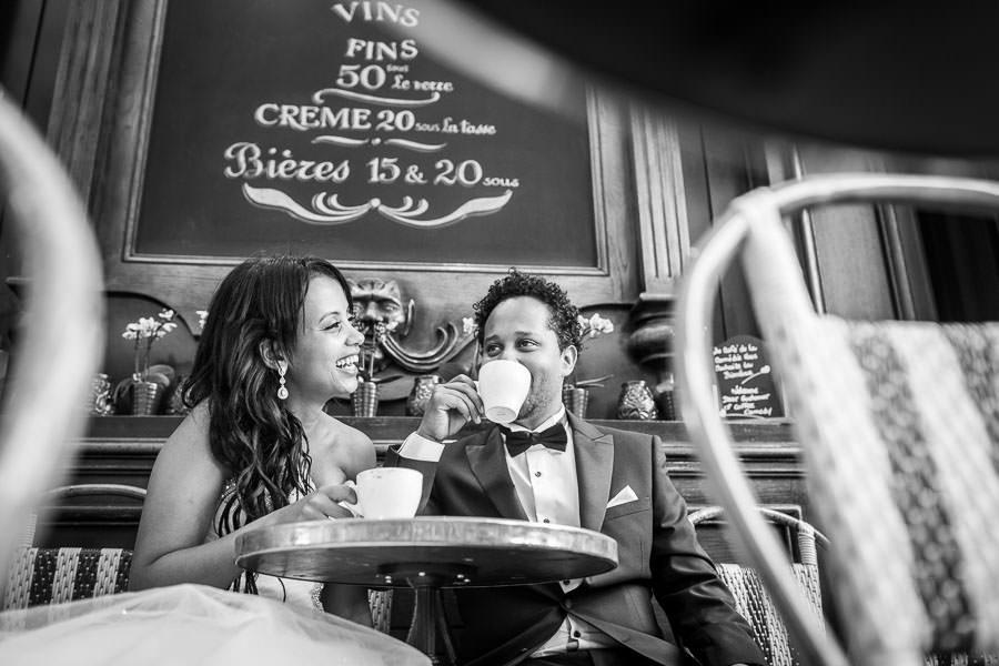 Paris photographer cafe