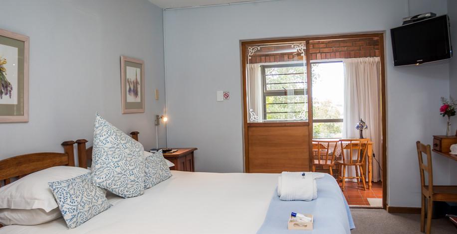 Room 1 2.jpg