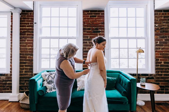 Michelle_Evans _Art_Knoxville Wedding Ph