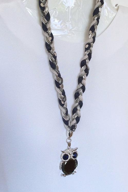 Jolie collier pendant hibou noir et argent
