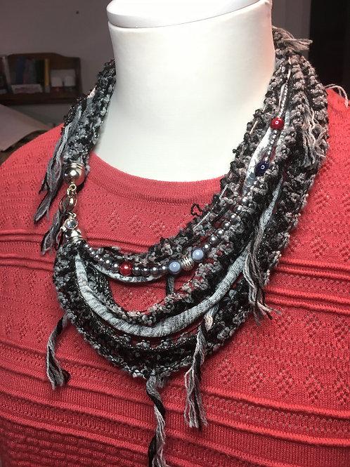 31-collier laineux