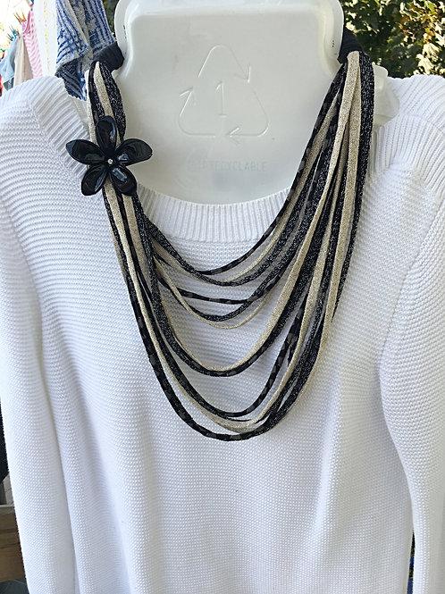 collier fleur noir or et noir brillants