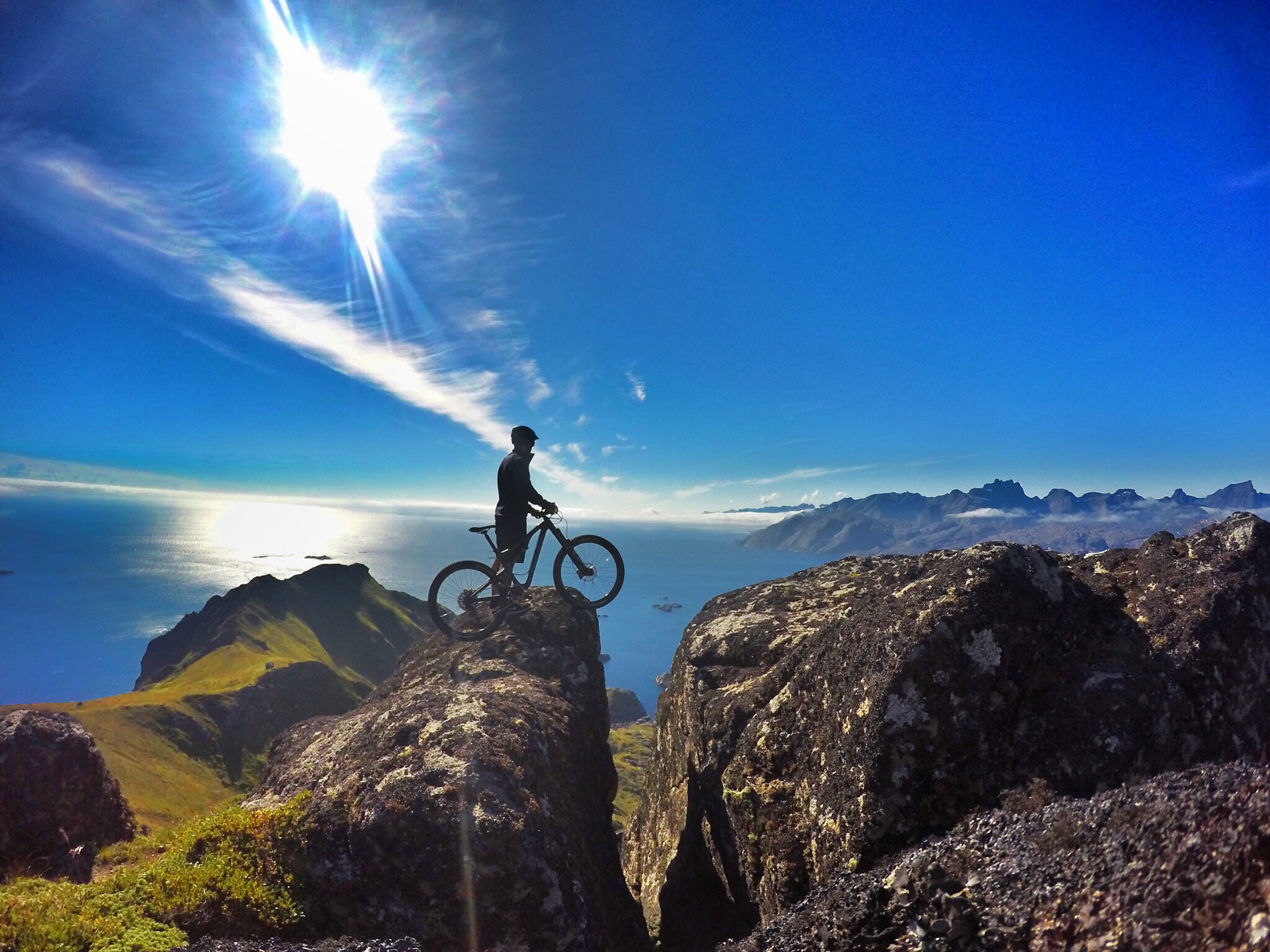 Biking above Ballstad