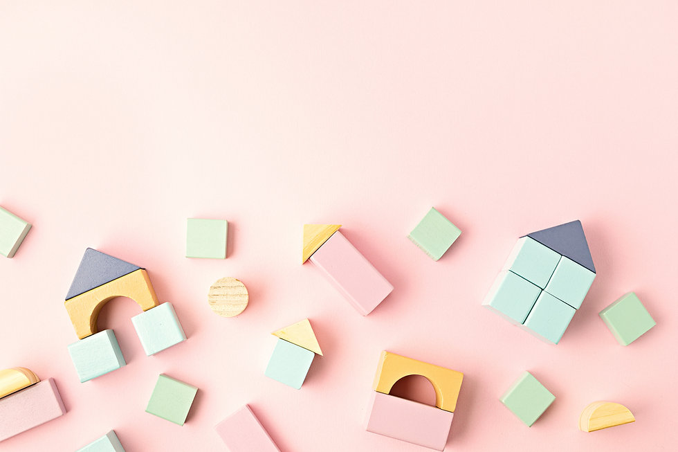 flat-lay-with-wooden-blocks-pastel-color
