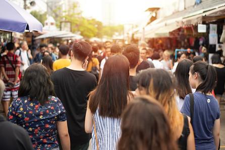 crowd-anonymous-people-walking-weekend-m