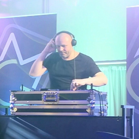 Meet Feature Member | DJ Mark Green