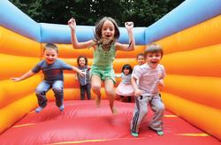 kids-on-bouncy-castle