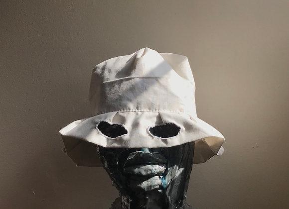 Bad hat II (white)