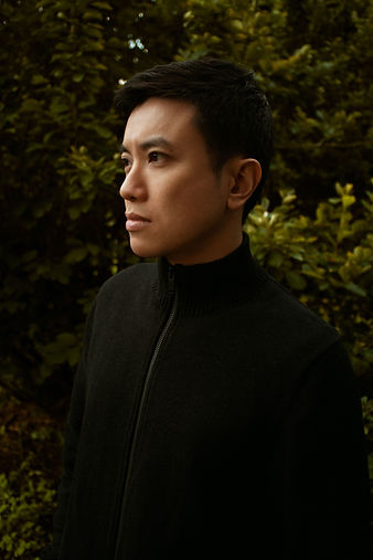 Hu Qiren Artist