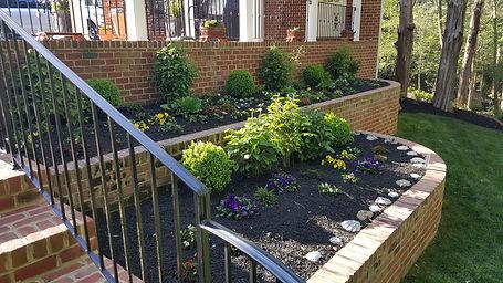 flower bed design with mulch