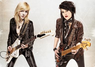 modèles : Raphaëlle & Carine Médusa guitare : Gibson CustomFirebird Non-Reverse basse : Music Man Stingray