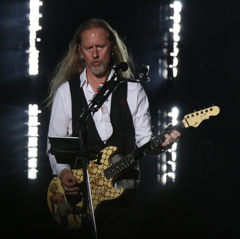 Jerry Cantrell AIC