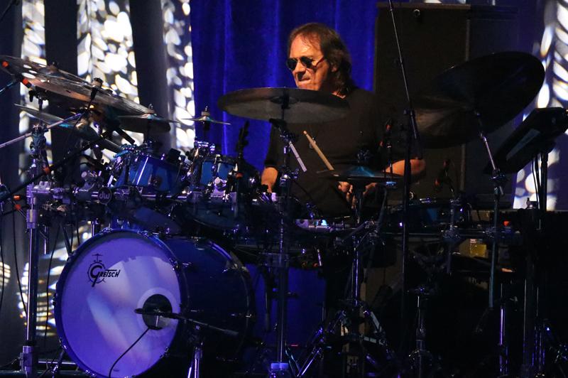 Jeff Beck Drummer