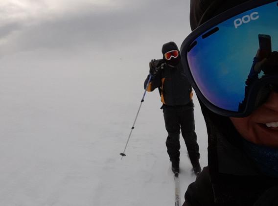 Snöstorm Laponia. Påväg över fjället mot Saltoluokta.
