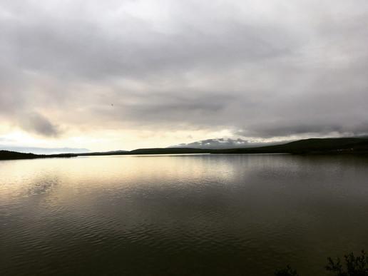 Stilla morgon vid Torneträsk.