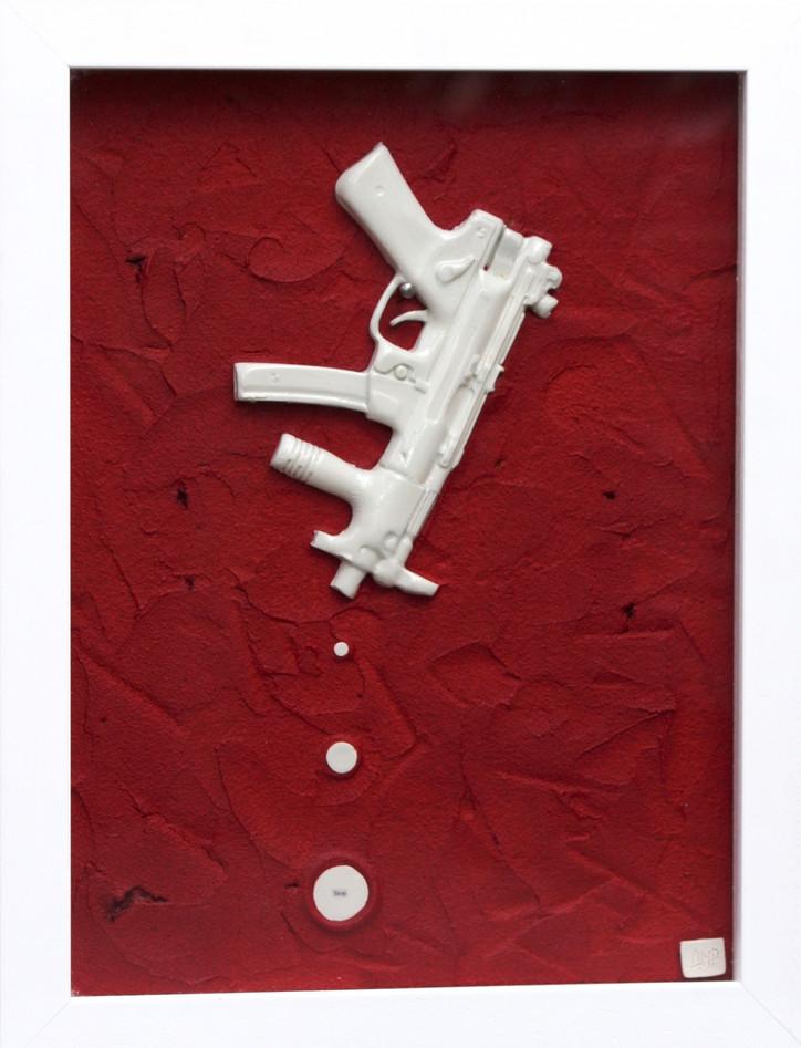 GUN #6, 2013 - 35cm x 45cm (1).jpg
